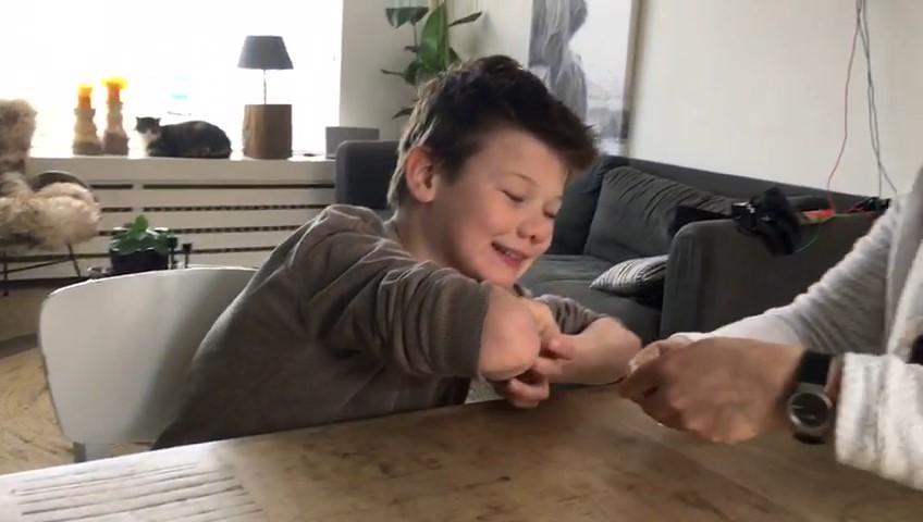 Een jongen met autisme leren lezen terwijl hij nauwelijks spreekt?!